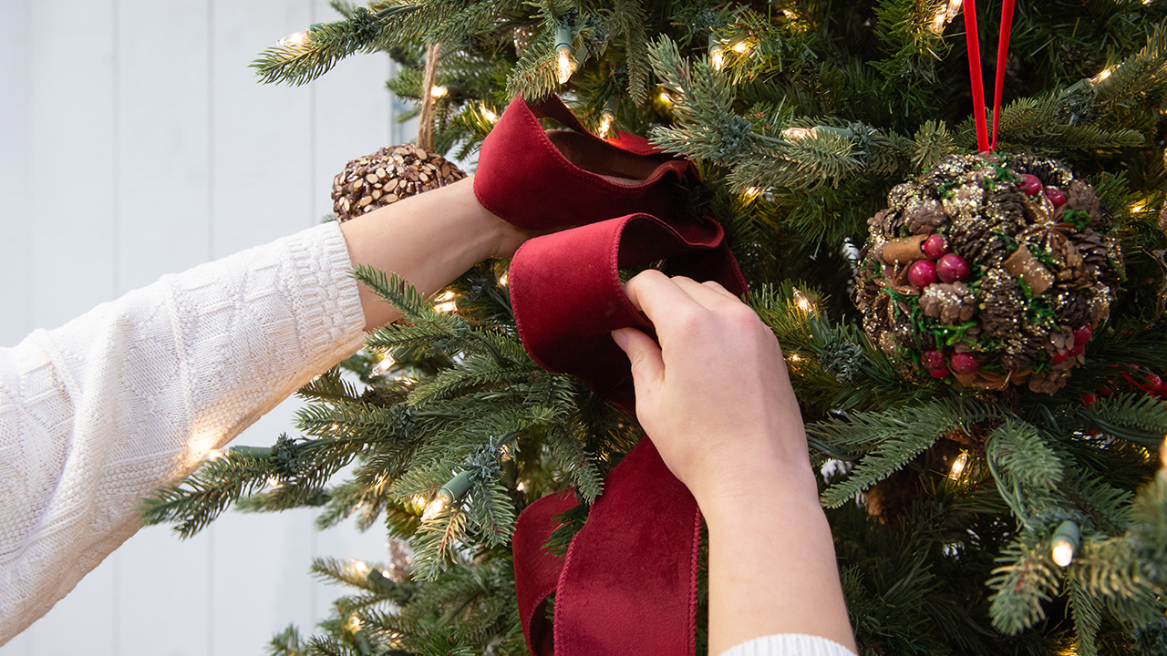 Tree Decorating In 6 Easy Steps Mulhall S